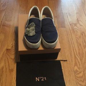 No. 21 platform slip on sneakers